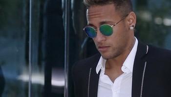 A Justiça da Espanha recebeu nesta quarta-feira a acusação formal por parte da DIS contra Neymar, a família do craque e dirigentes de Santos e Barcelona por corrupção